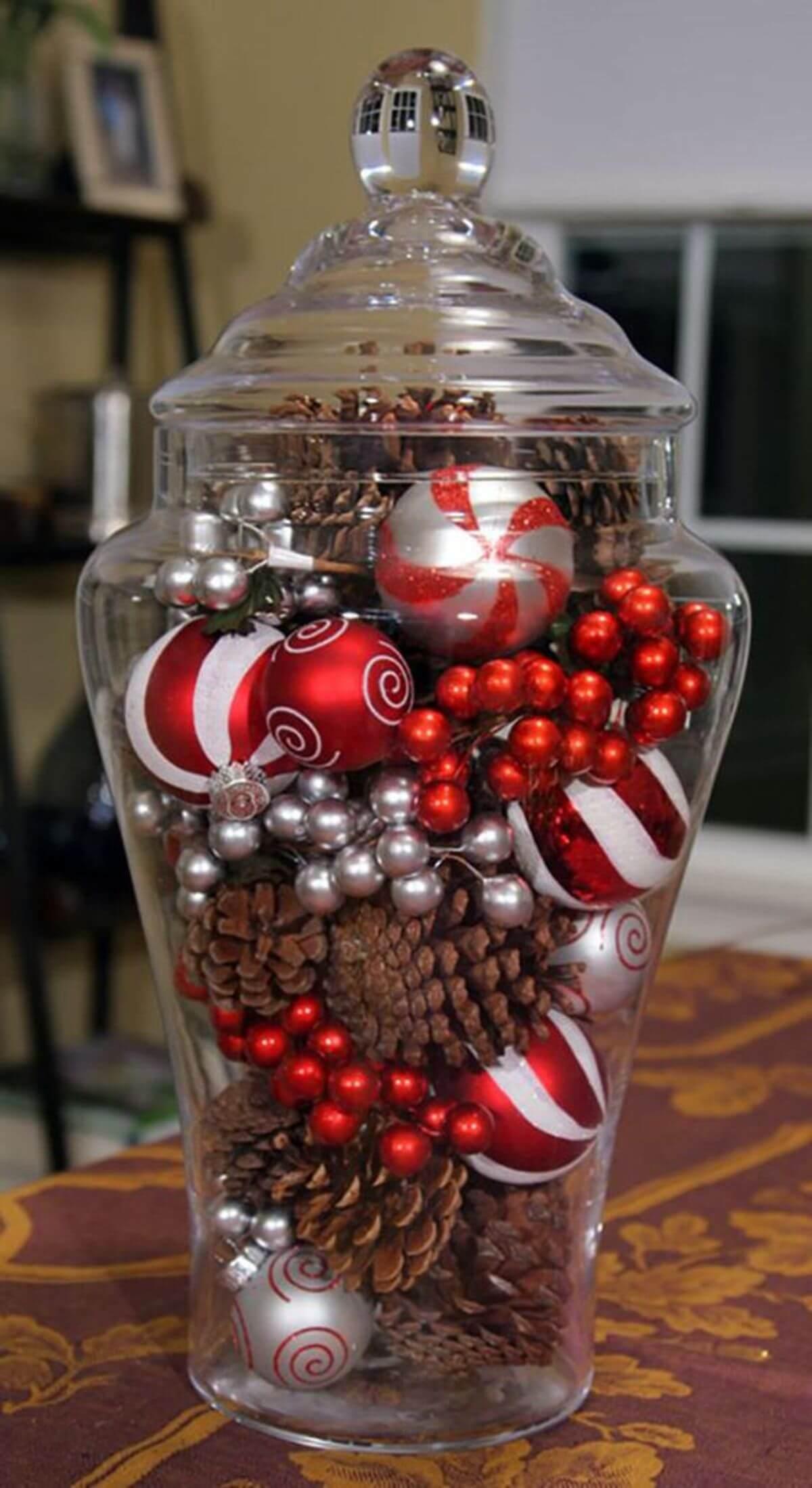 Lidded Glass Jar Christmas Décor