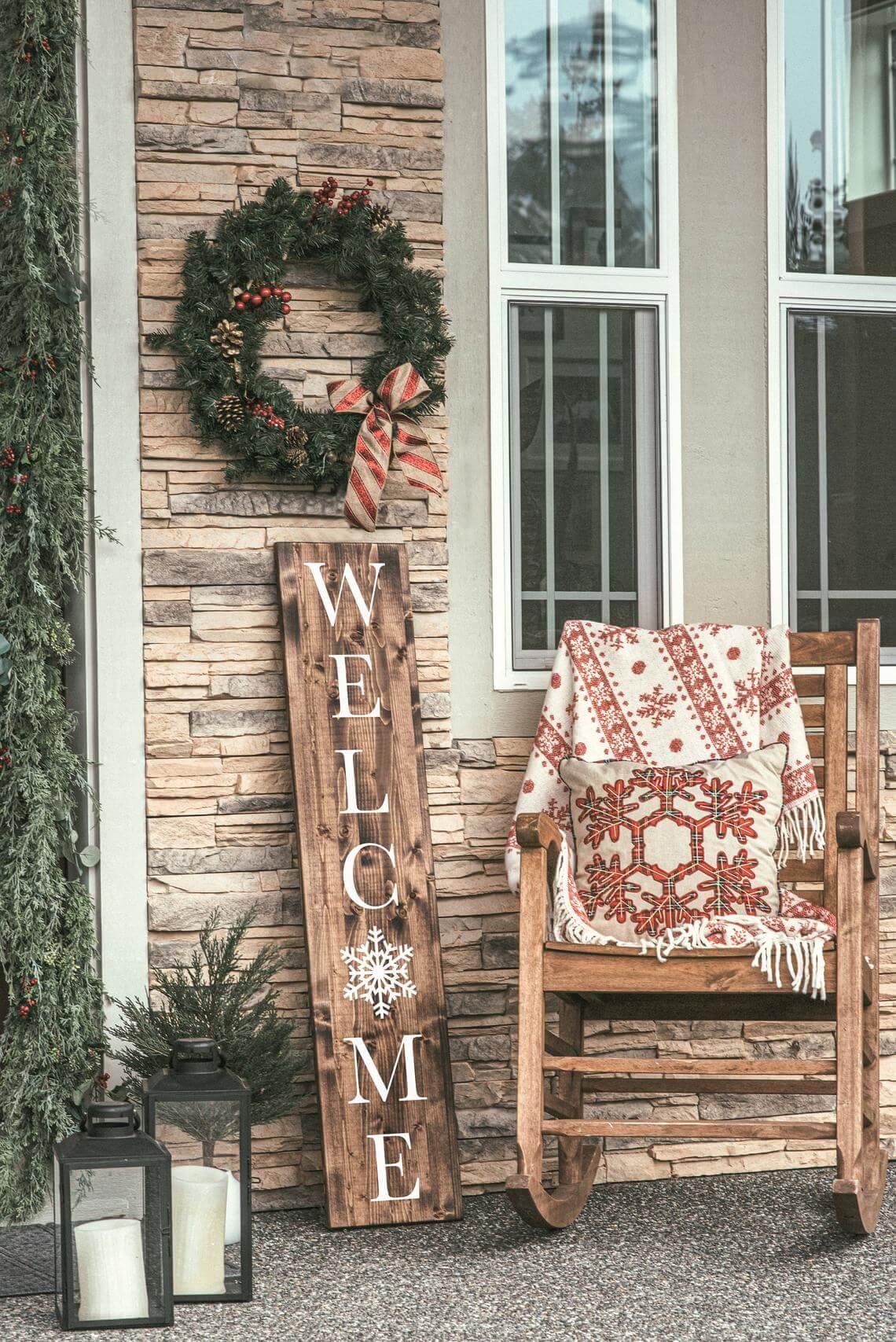 Snowflake Welcoming Vertical Christmas Sign