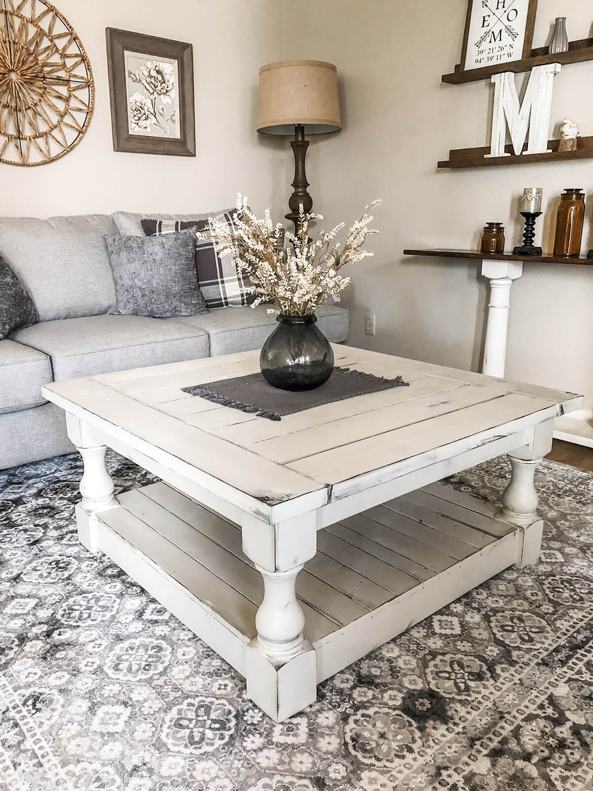 Farmhouse Coffee Table with Baluster Supports