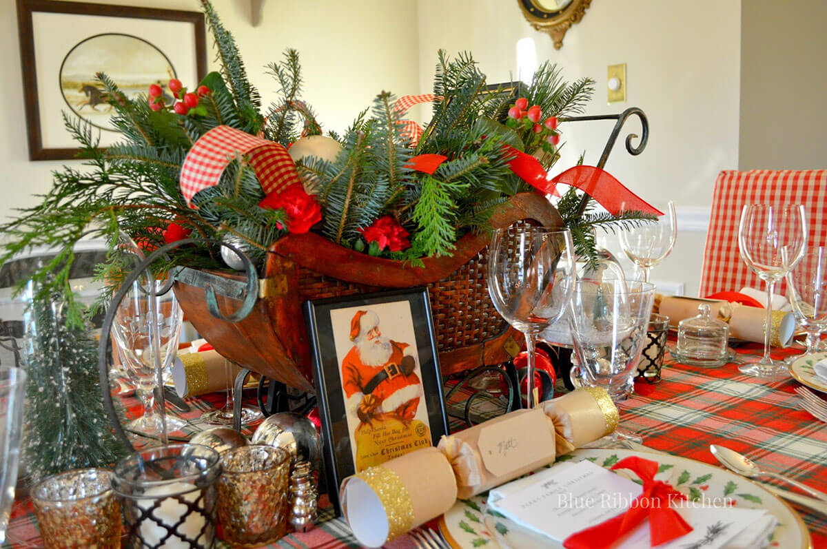 Stunning Vintage Holiday Table Décor