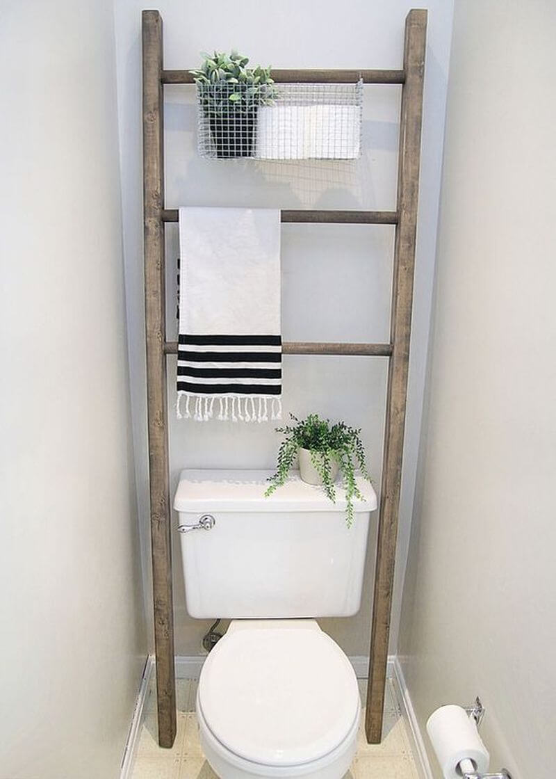 Ladder With DIY Wire Basket Storage