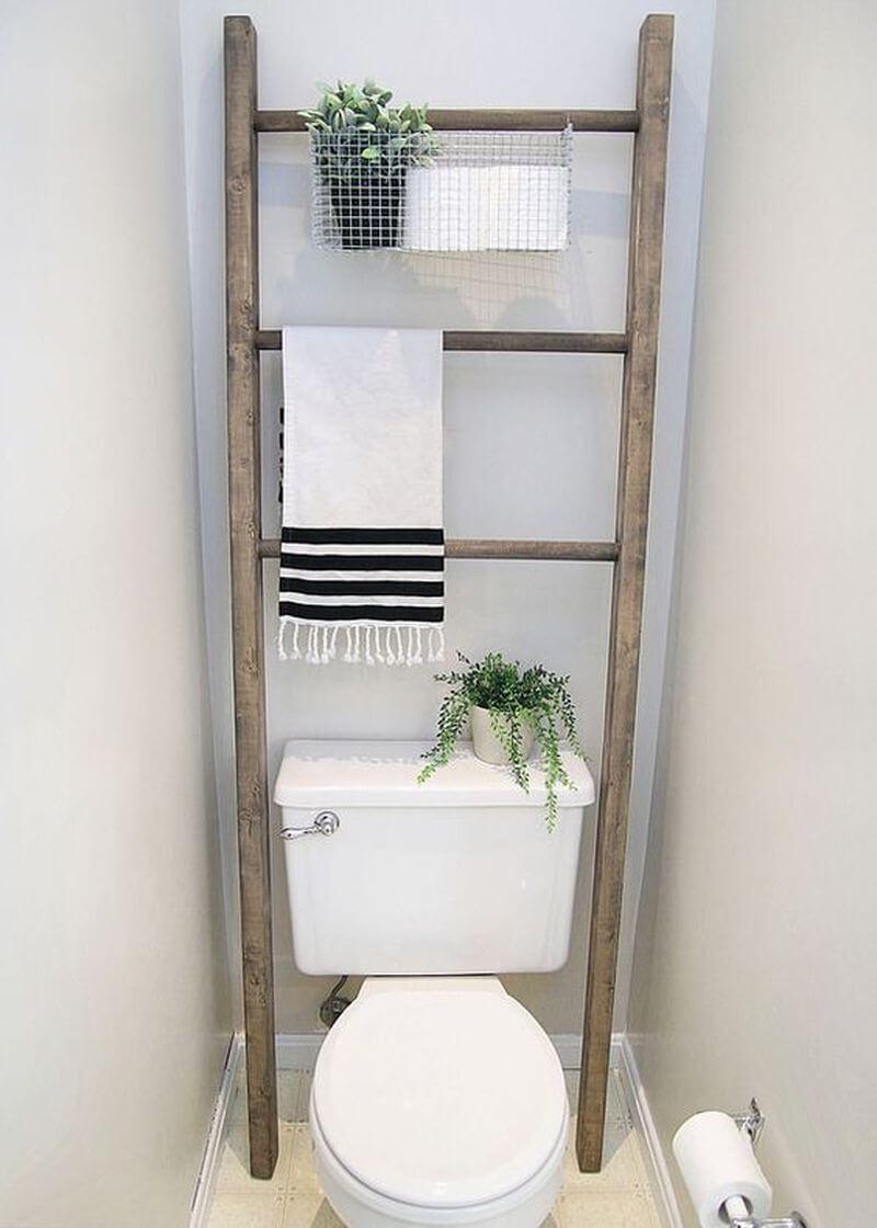Ladder With DIY Wire Basket Storage