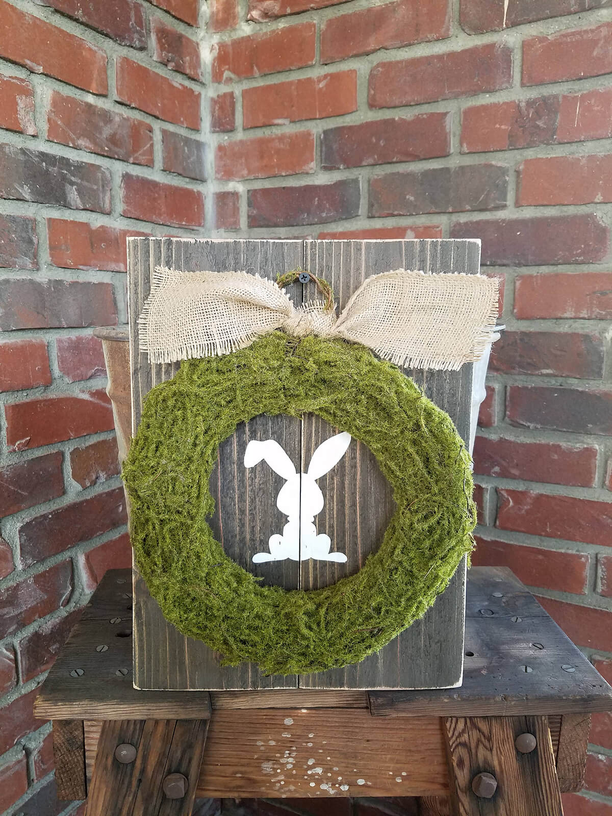 Flop-Eared Bunny Moss Wreath with Burlap Bow