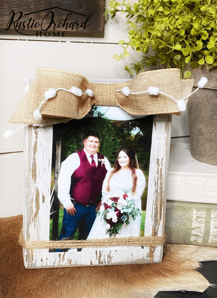 Distressed and Rustic Burlap Bow Frame