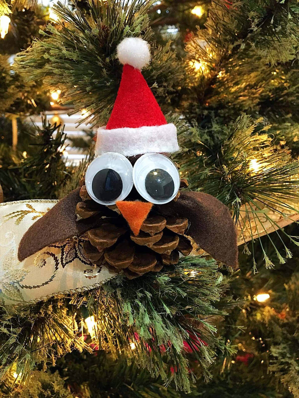 Santa Owl pinecone Ornaments for the Kids