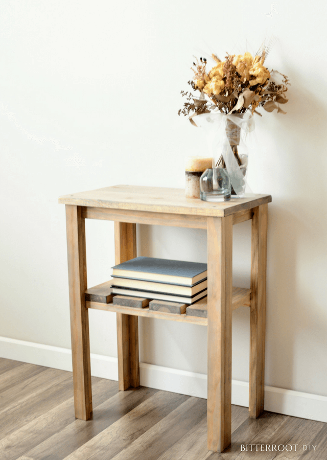 Simple and Sturdy Small Stand with Shelf