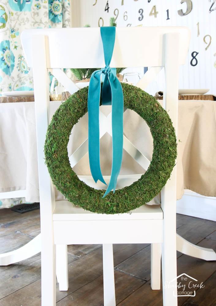 Minimalistic DIY Moss Wreath for Spring