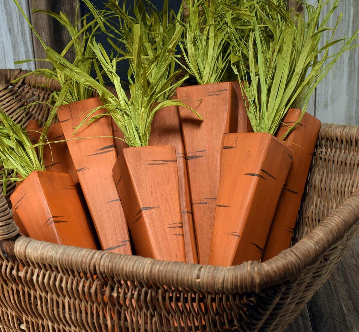 Hand-Cut Wood Carrot Table Décor