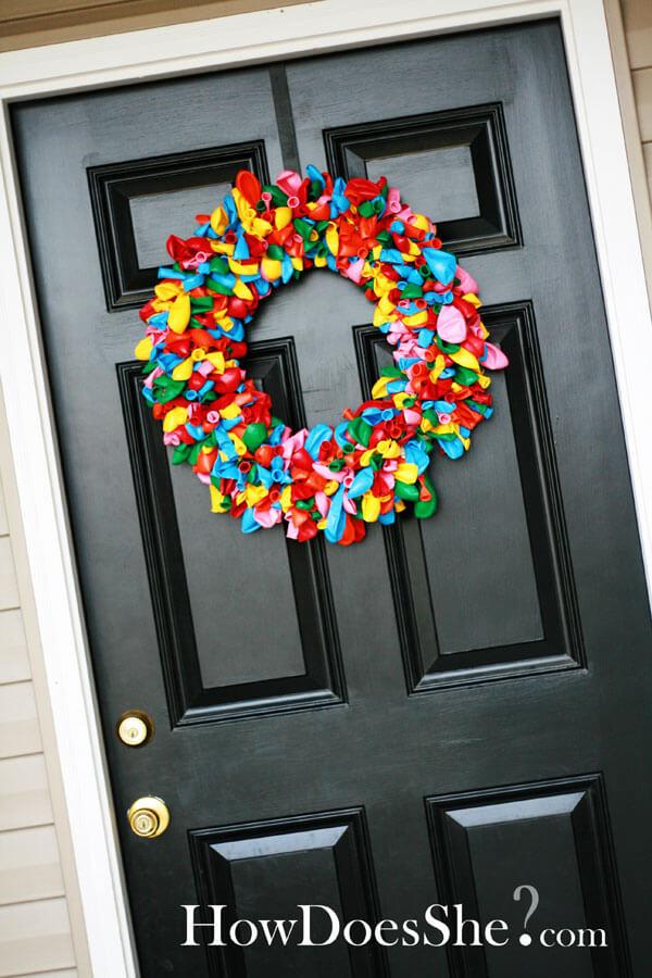 Festive and Fun DIY Balloon Wreath