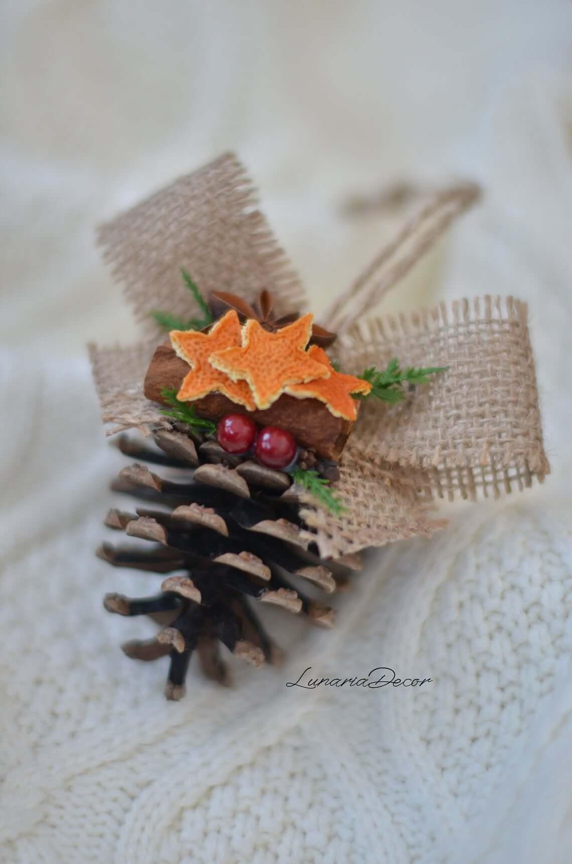 Aromatic pinecone Potpourri for the Tree