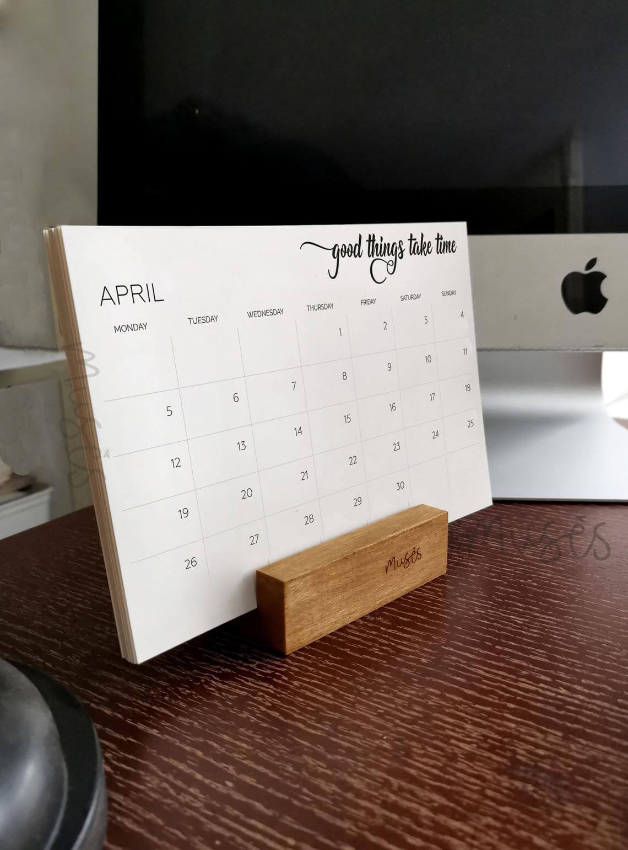 Small Wooden Block Desk Planner Holder