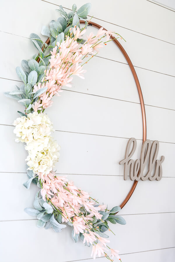 A Soft and Sweet Hello Wire Wreath