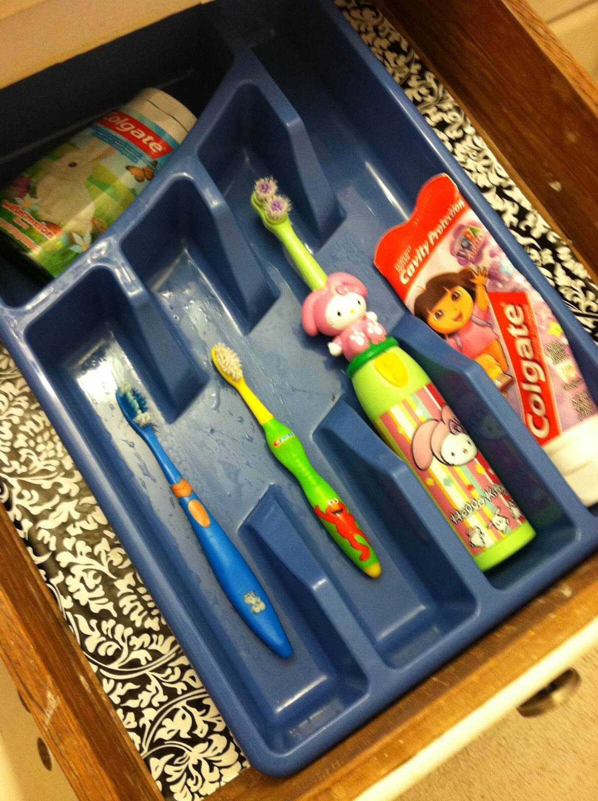 Cutlery Holder Organizes Toothbrushes and Toothpaste