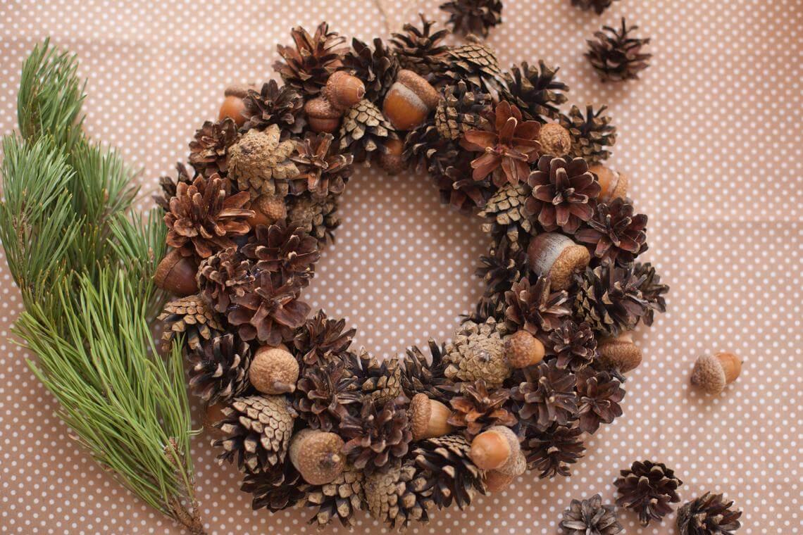 Small Acorn & Pine Cone Wreath