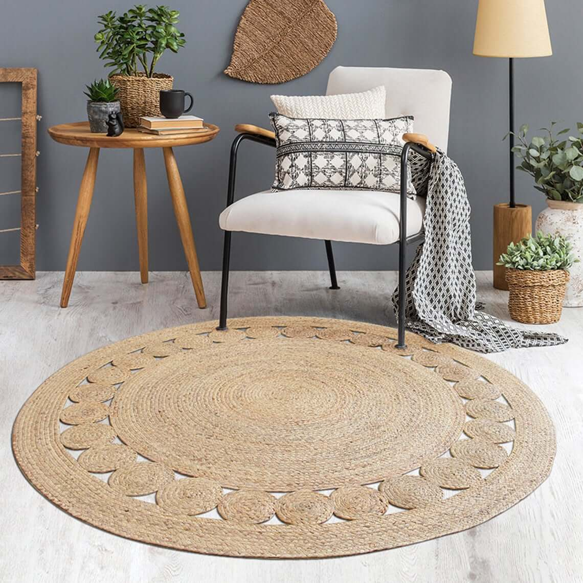 Stunning Round Seagrass Decorative Area Rug