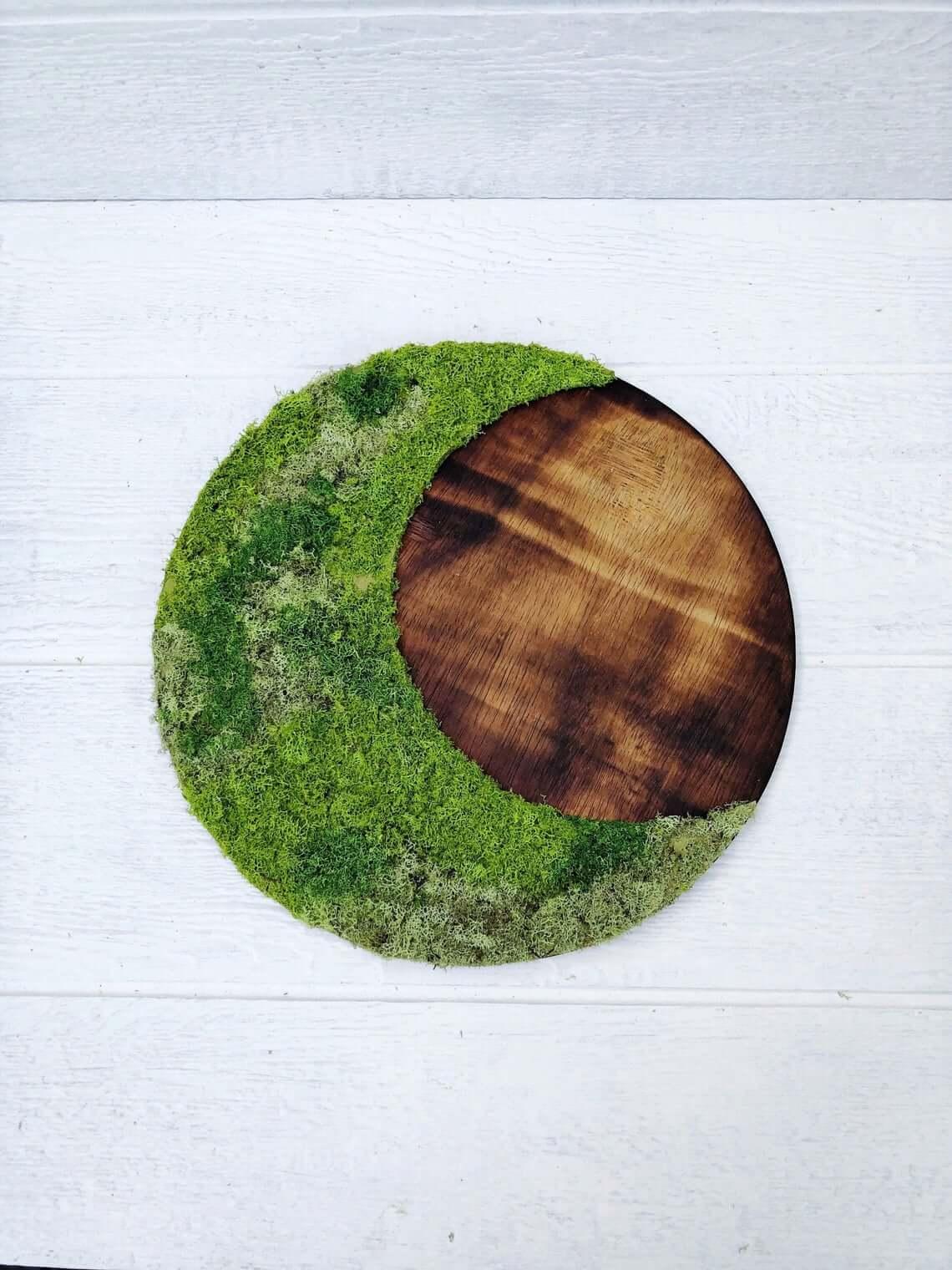 Bohemian Moon Sign Moss Design