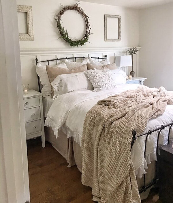 Cozy Bedroom Using Blankets and Soft Textures