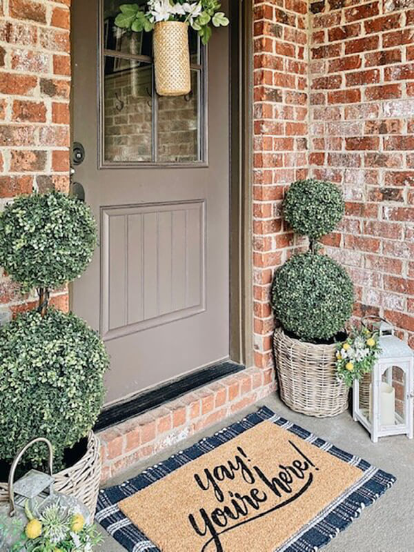 Wonderful and Woven Wicker Porch Planter
