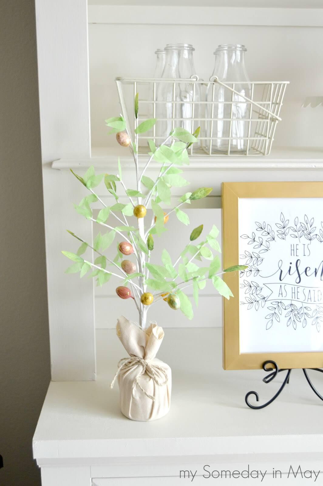 A Natural, Minimalist's Dream Tree