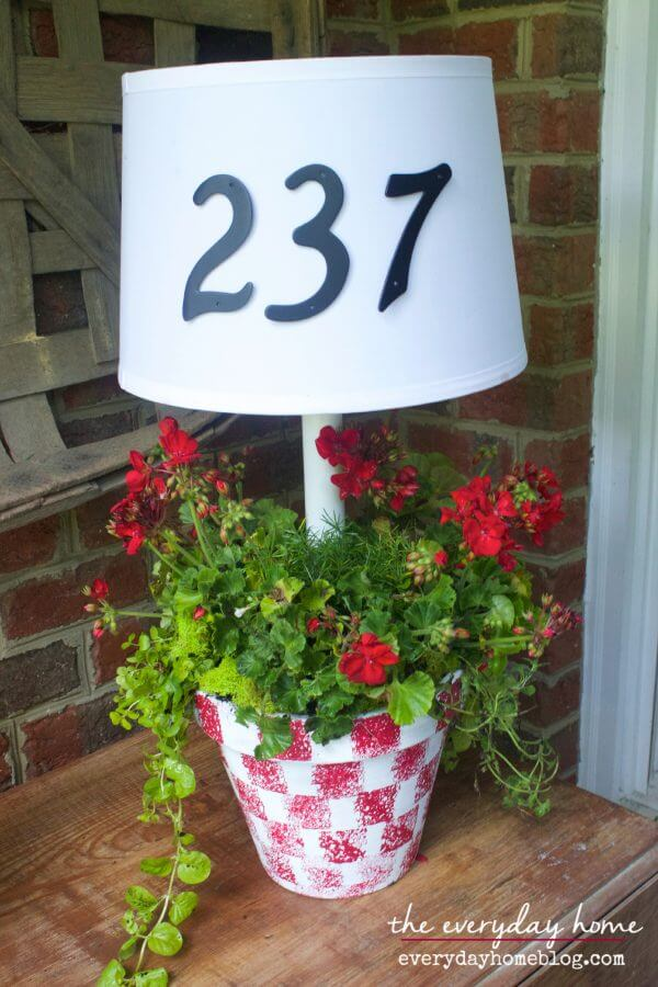Cheerful Potted Plant Solar Lamp