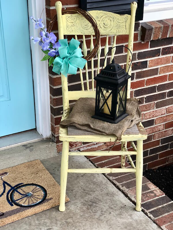Use Simple Accessories to Create a Farmhouse Aesthetic