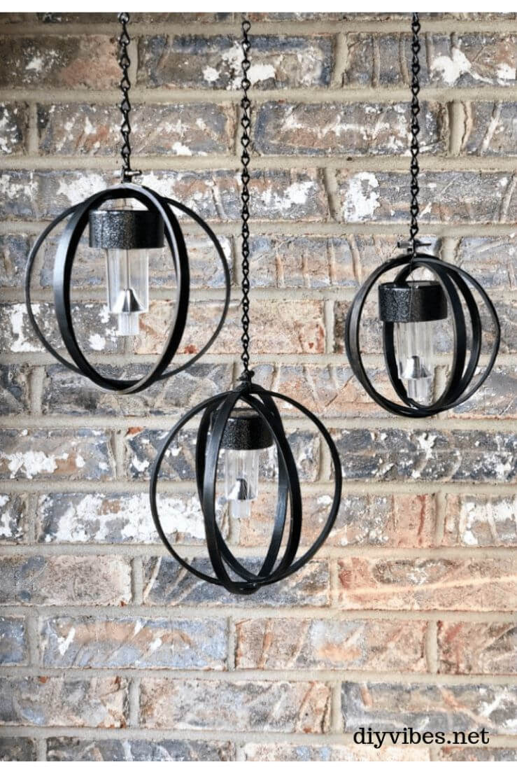 Black Ring Round Backyard Solar Light