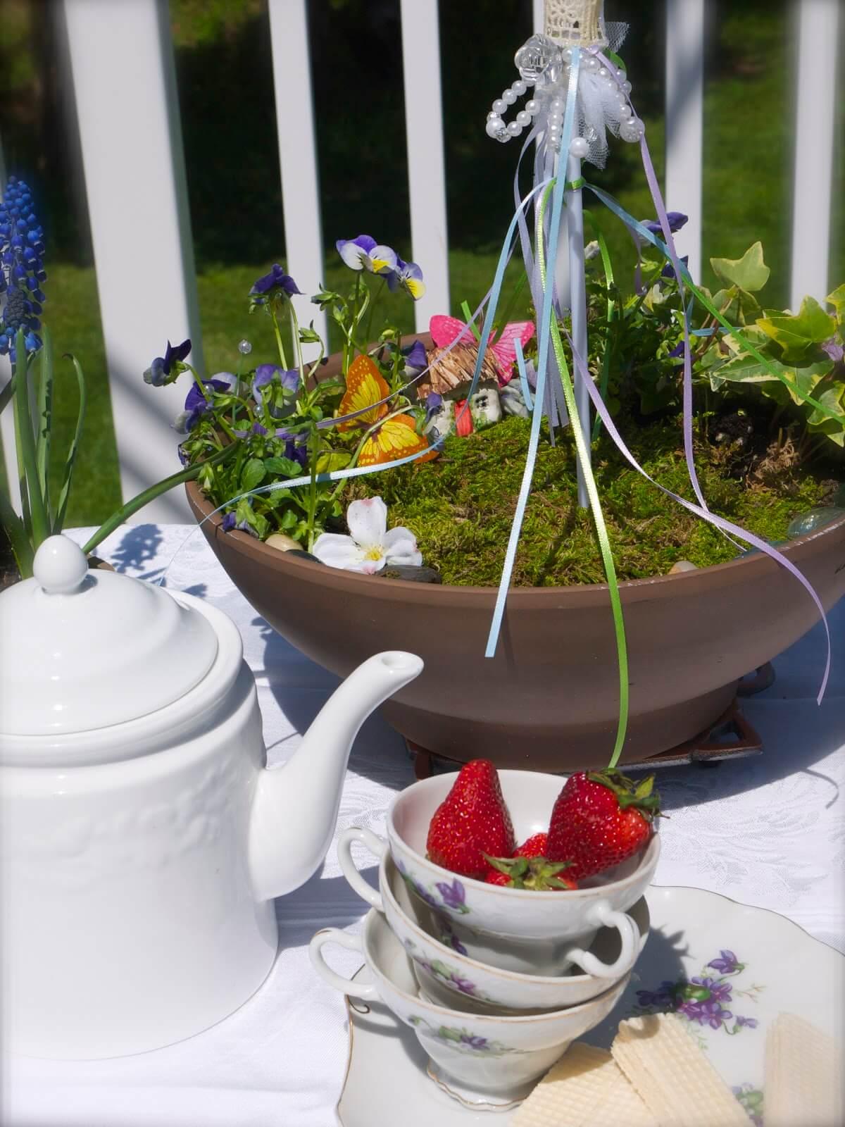 A Cute and Simple Mini Fairy Garden