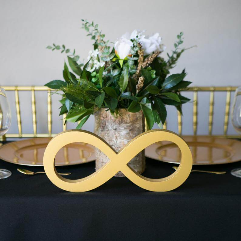 Sweet and Powerful Infinity Sign Centerpiece