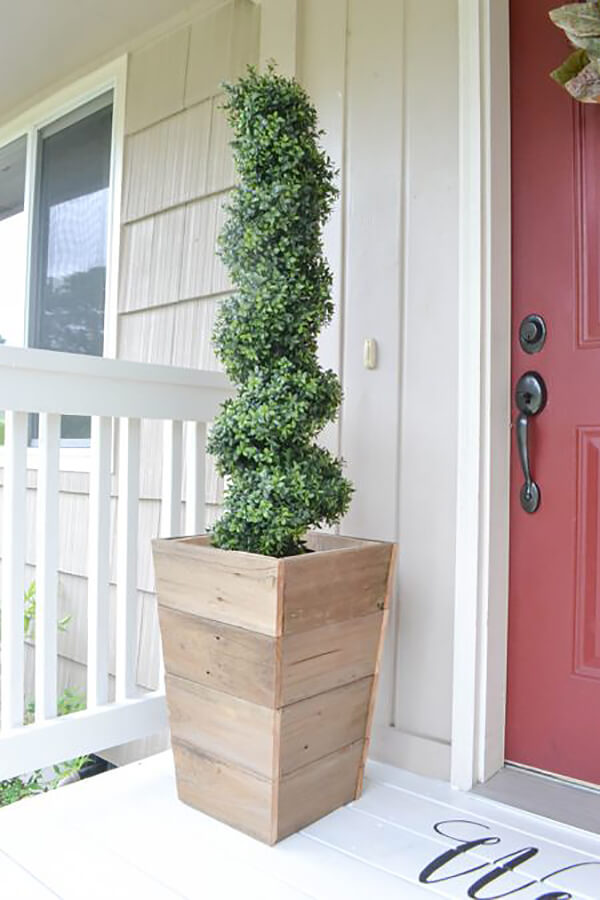 Natural Wooden Shiplap Tapered Tower Planter