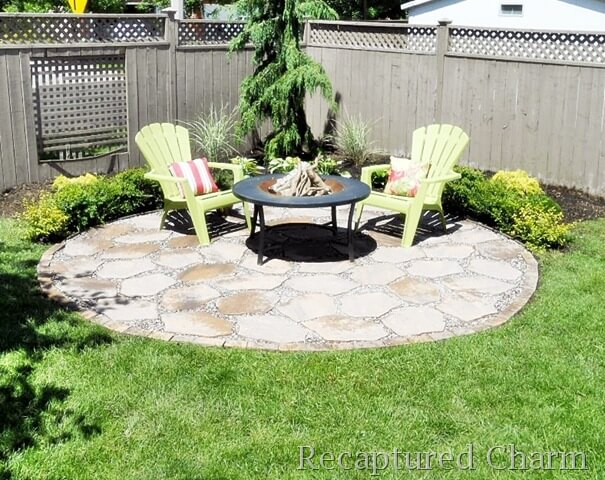 Charming and Cozy Fire Pit Patio Feature