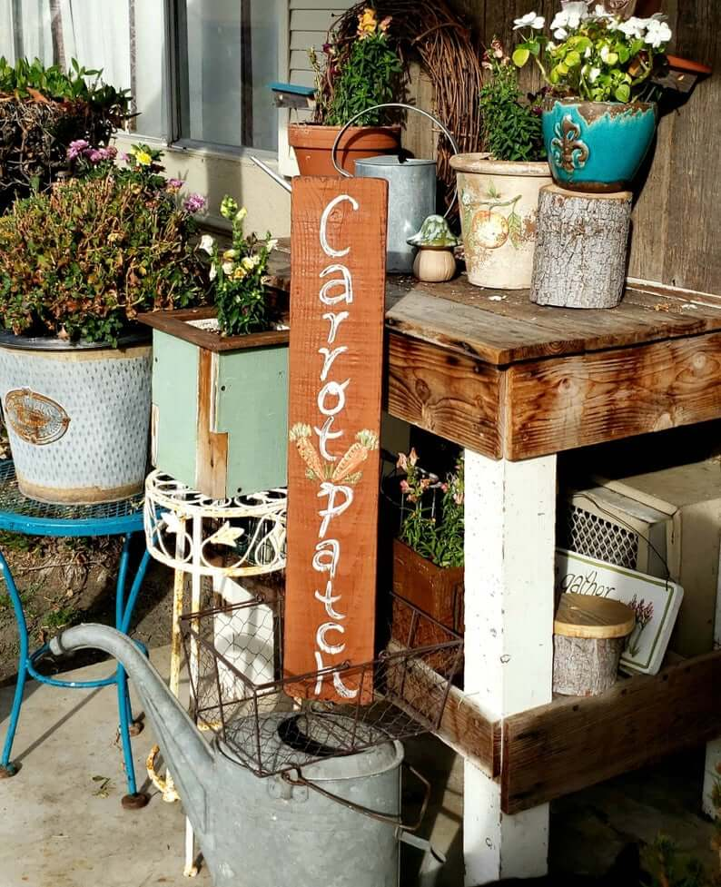 A Charming and Great Idea for Reclaimed Wood and Potted Flowers