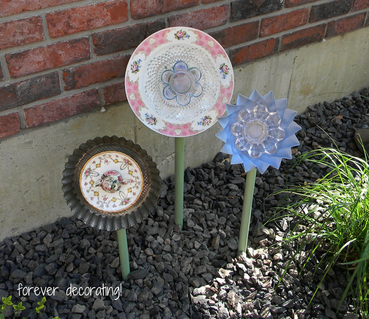 Turn Old China into a Beautiful Garden Display