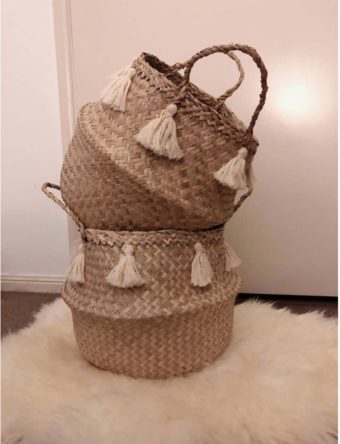 Medium Seagrass Belly Basket with Tassels