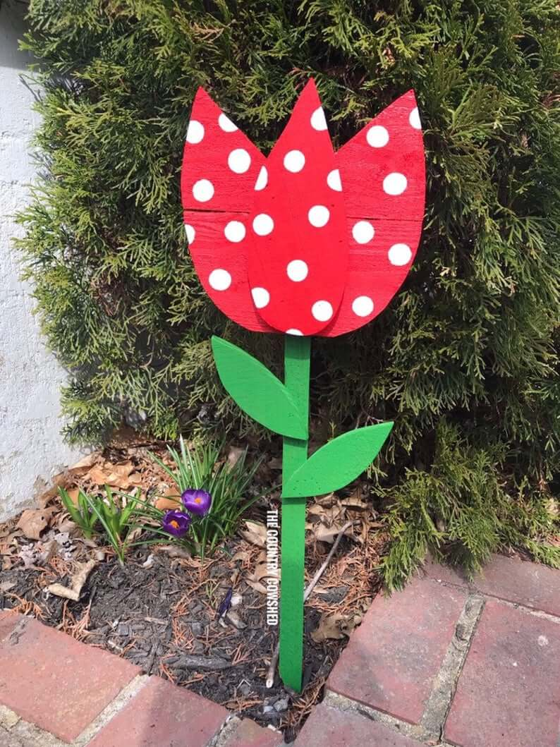 Cool Tulip Yard Stakes That Make a Statement