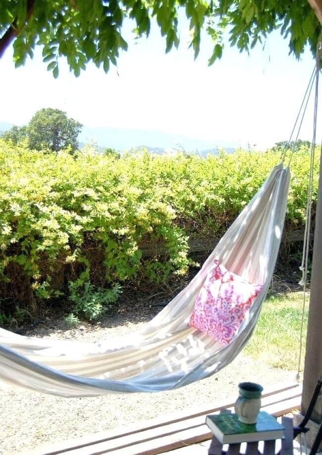 Easy Breezy Summertime DIY Hammock