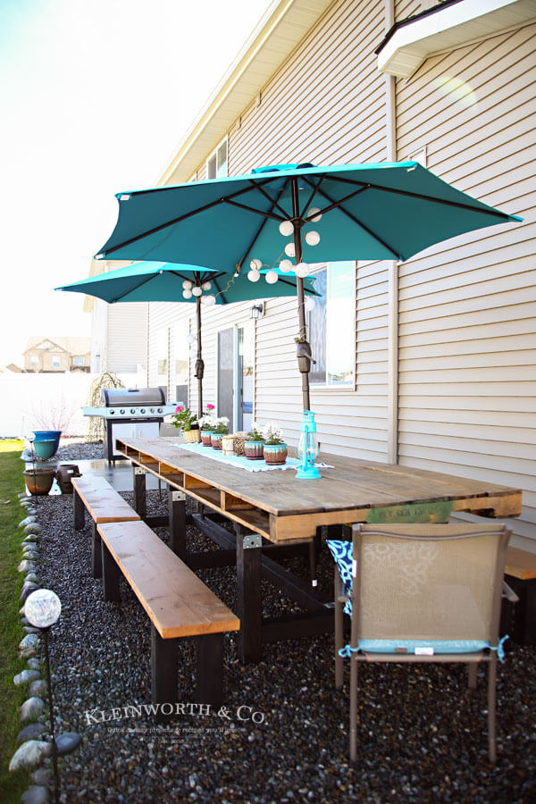 Expand Your Outdoor Dining Area with Pallets