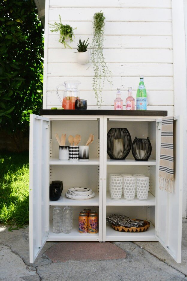 DIY Outdoor Buffet Stand with Tiled Top