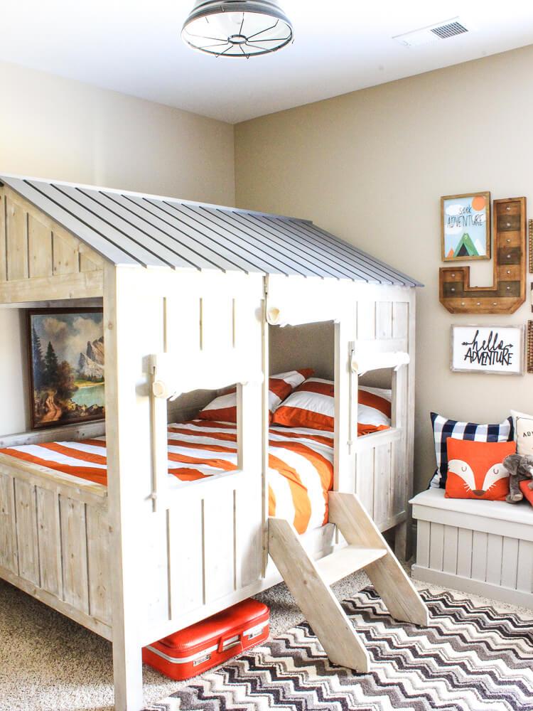 Incredible Rustic Cabin Toddler Bed
