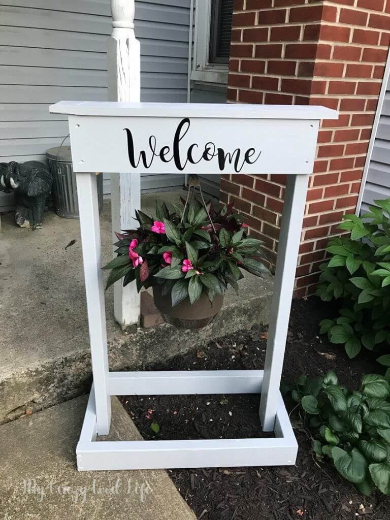Wooden Plant Hanger and Welcome Sign