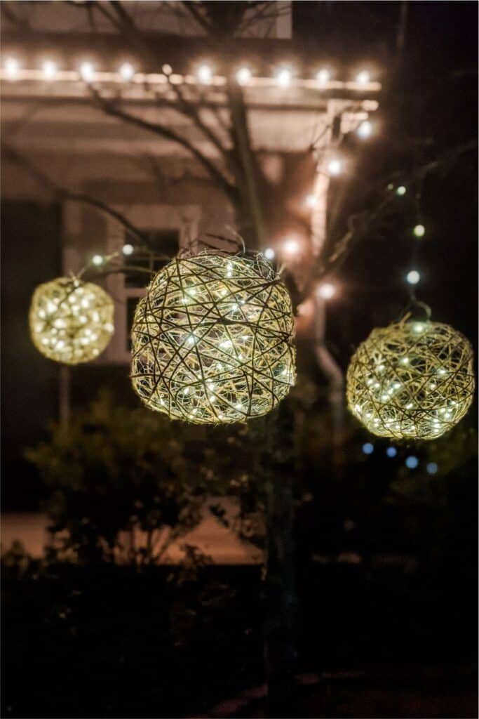 Great Grapevine Balls Filled with Lights