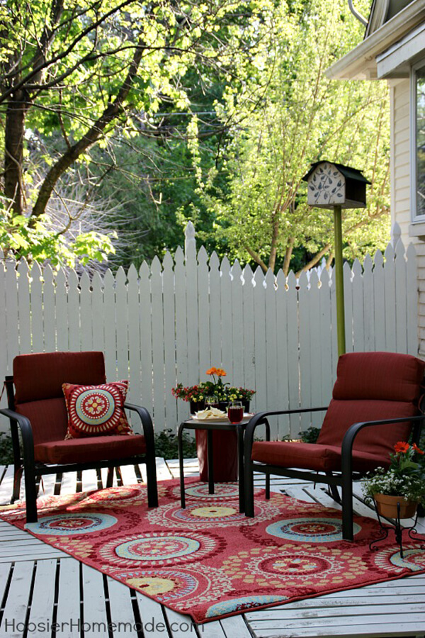 Build a Pallet Deck to Extend Your Space