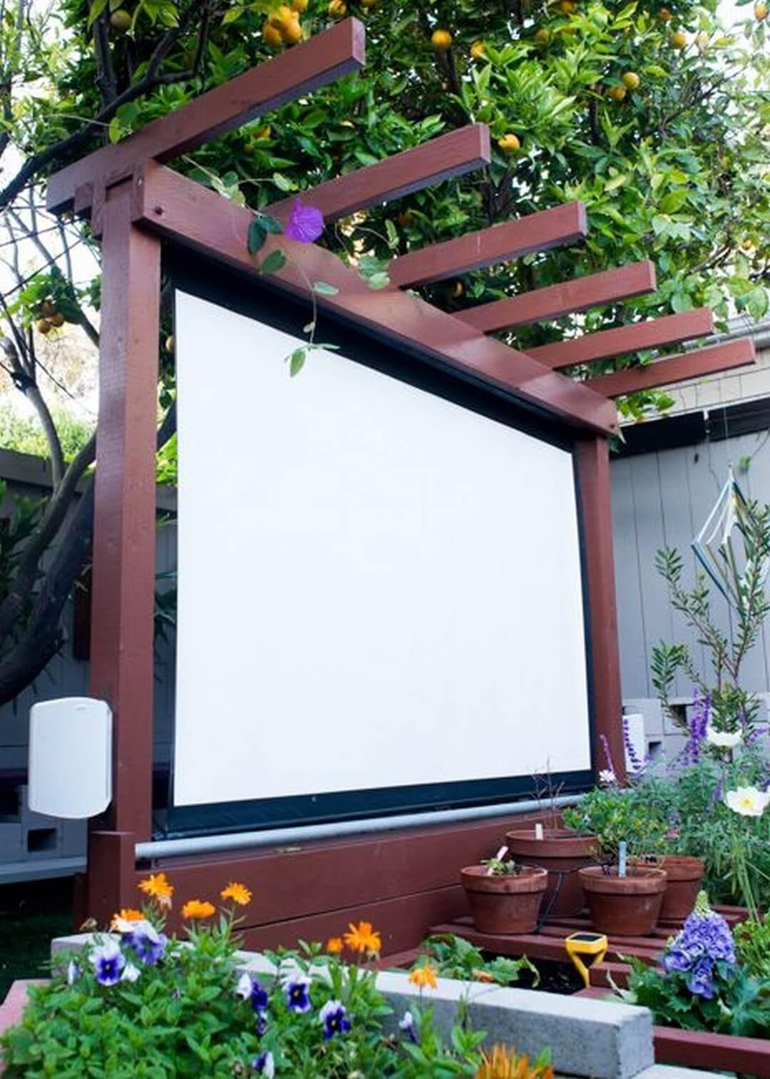 Amazing Outdoor Garden Big Screen Theater