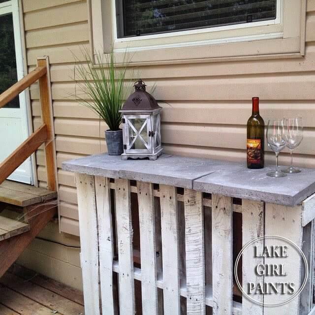 DIY Pallet and Paver Bar