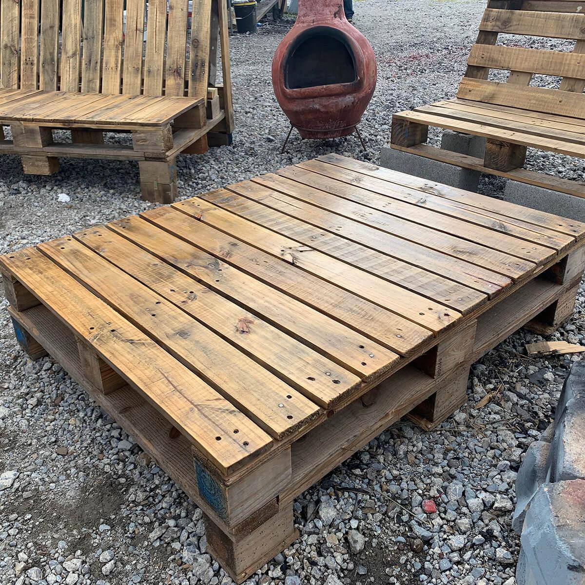 Refurbished Rustic Wooden Pallet Table