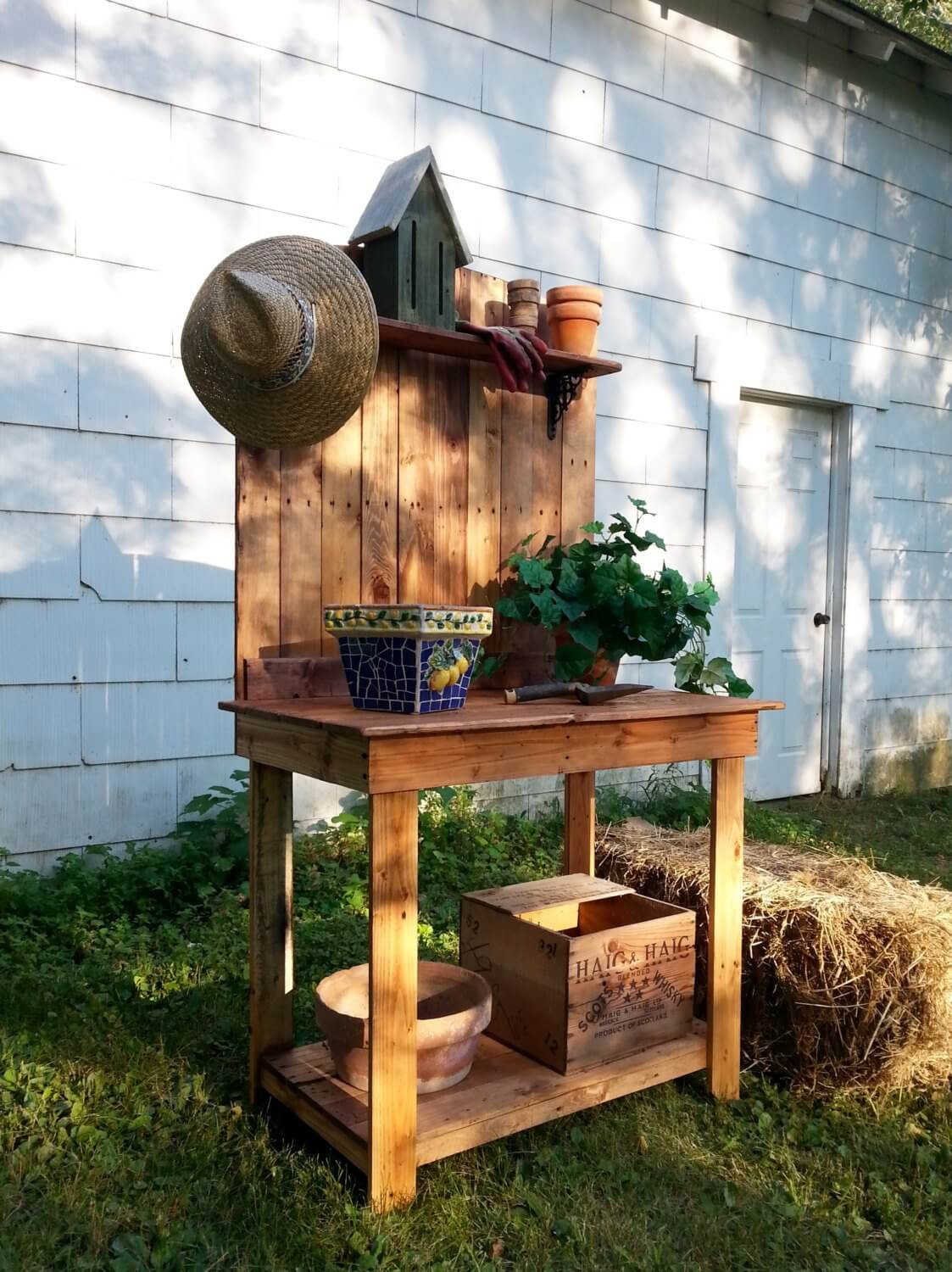 Potting Bench Made from Upcycled Pallets