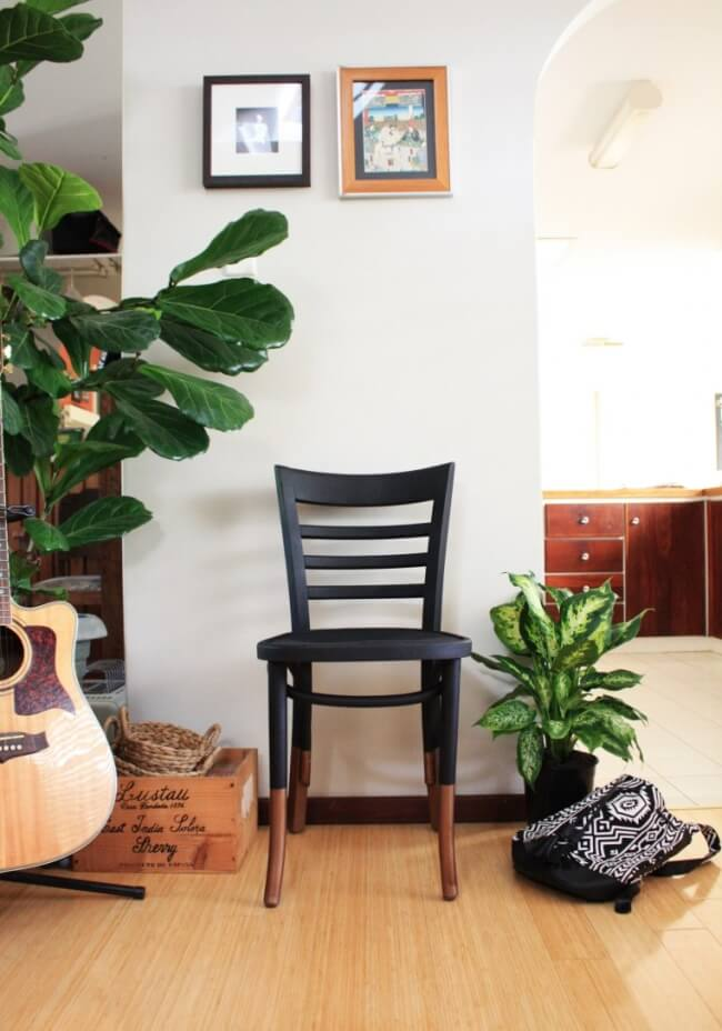 Two-Toned Spray-Painted Old Chair Makeover