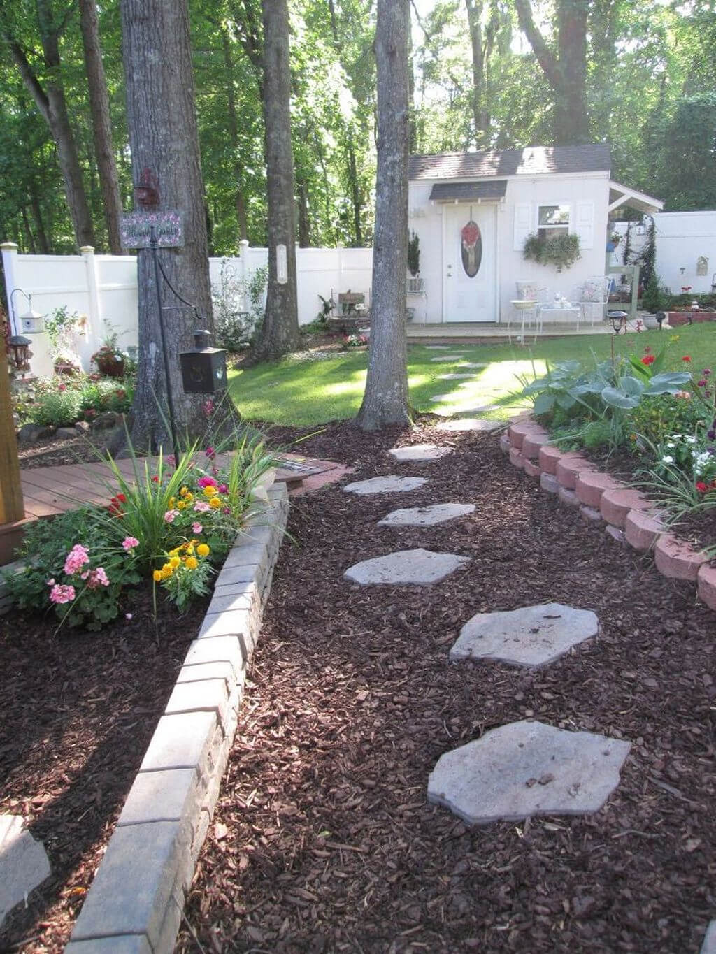 Beautiful Stone Path Garden Idea