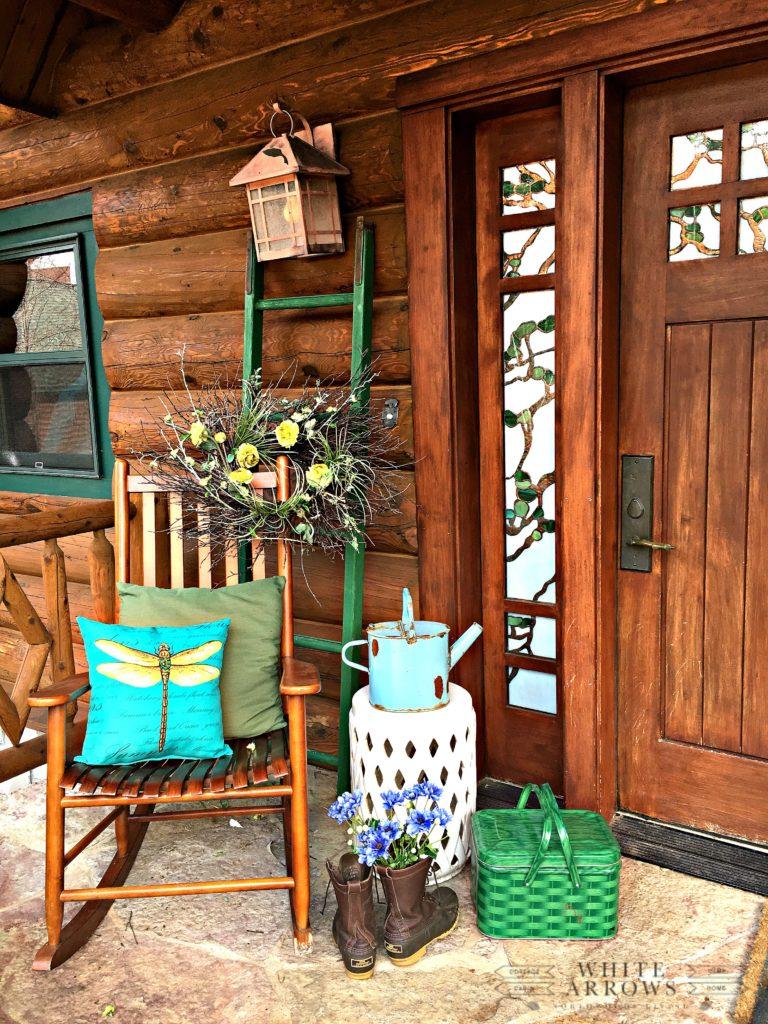 Countryside Cabin Theme Porch Décor
