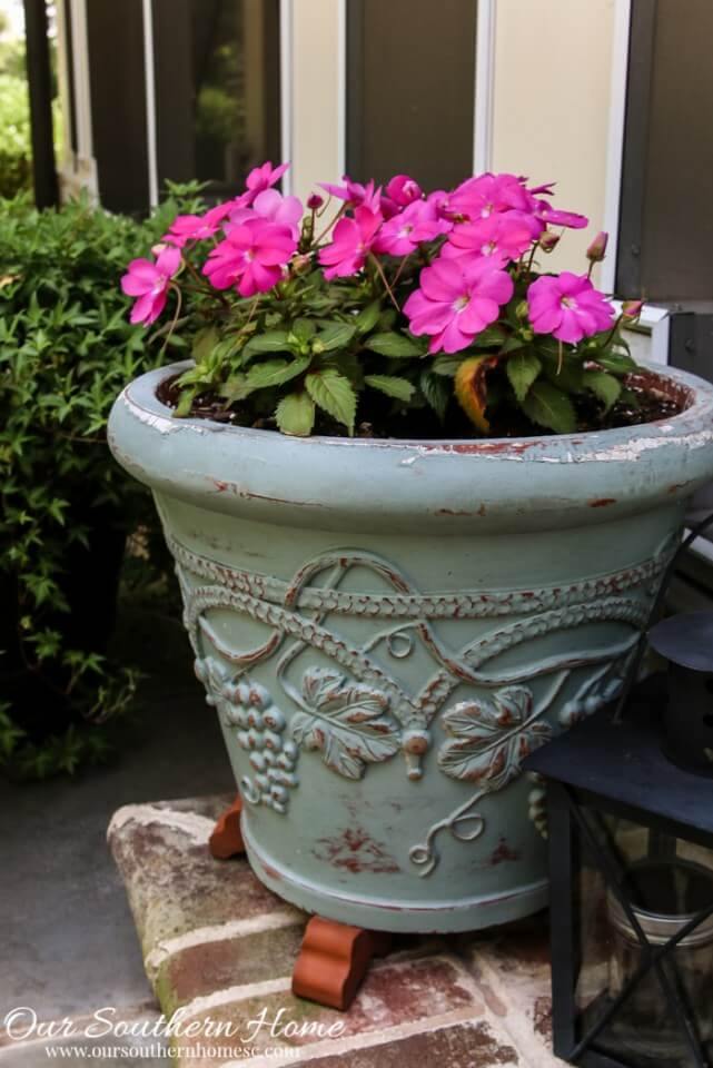 Chalk-Painted Rejuvenated Concrete Planter in Green