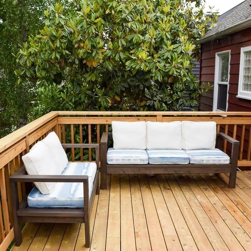 Outdoor Custom Pallet Loveseat and Sofa
